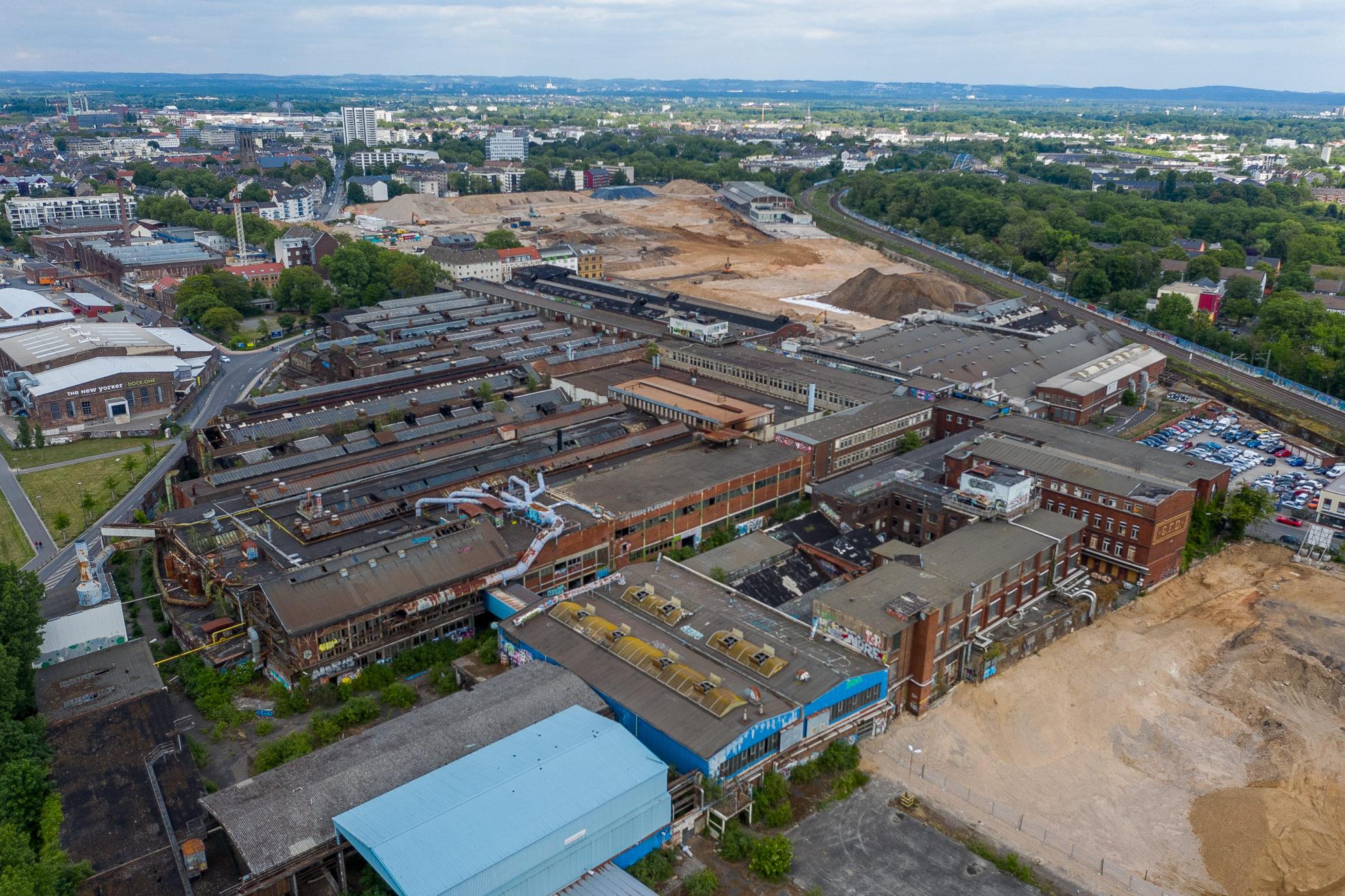 Fabrikhallen der ehemaligen Gasmotorenfabrik Deutz, Klöckner-Humboldt-Deutz, Westwaggon, Köln-Mülheim - Luftaufnahme